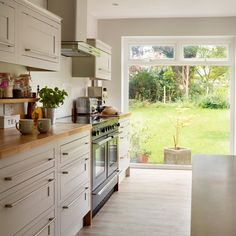 Looking for Scandi kitchen decorating ideas? Take a look at this traditional kitchen from Beautiful Kitchens for inspiration. For more kitchen ideas, visit our kitchen galleries Kitchen Ideals, Home Kitchens, Kitchen Design, Kitchen Diner, Kitchen Decor, Sleek Kitchen, Kitchen Plans, Uk Kitchen, Kitchen Styling