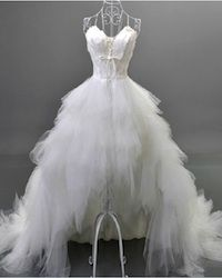 New Arrival Womens High Grade Front Short and Back Trailing Style Sweet Princess Wedding Dress/Bride Feather Wedding Gown Hi Low Wedding Dress, Sweetheart Wedding Dress, Tulle Wedding, White Wedding Dresses, Wedding Party Dresses, Bridal Dresses, Ivory Wedding, Gown Wedding, Wedding Venues