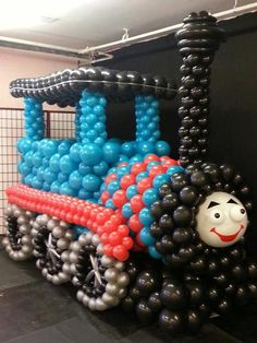 This Thomas The Tank Engine made from balloons is sooo impressive. Don't let kids near it!!!  via Catch My Party