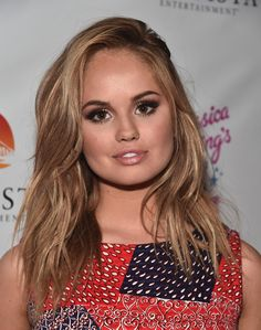 Debby Ryan Medium Wavy Cut - Debby Ryan showed off stylish textured waves at the premiere of 'Jessica Darling's It List.'