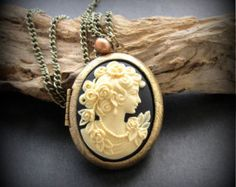 Cameo Locket Necklace Antinqe Brass 40x30mm