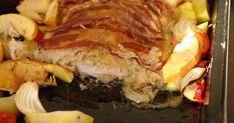 Karaj savanyú káposztával sütve, tepsiben | Nosalty Cheesesteak, Meatloaf, Bacon, Pork, Beef, Ethnic Recipes, Kale Stir Fry, Meat, Pork Chops