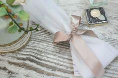 Μπομπονιέρες Γάμου : Μπομπονιέρα γάμου Napkin Rings, Napkins, Tableware, Home Decor, Dinnerware, Decoration Home, Towels, Room Decor, Dinner Napkins