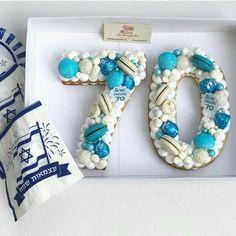 carrot mug cake 70th Birthday Cake, Special Birthday Cakes, Birthday Cookies, Happy Birthday, Fancy Cakes, Cute Cakes, Cake Cookies, Cupcake Cakes, Pastel Mickey