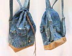 langlebig, große Kapazität Jeans Rucksack, waschbar und Mehrzweck-verwenden Sie es für einen langen shopping-Tag, als eine Schultasche, Strandtasche, Sporttasche oder sogar eine Wickeltasche. handgefertigt aus einer Vintage-Denim-Jacke in sehr gutem Zustand + tan farbige Jeans, Baumwolle * starke verstellbare Träger, handgefertigt aus der gleichen 100 % Baumwoll-denim * voll Futter mit 1 Laptop-Hülle (Breite: 28cm/11 ) und 1 Reißverschlussfach (Breite: 20cm/8) Höhe - 47cm/18...