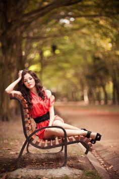 Senior Portrait / Photo / Picture Idea - Girls - Bench