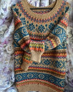 30 Great Picture of Colorwork Knitting Patterns Fair Isles . Colorwork Knitting Patterns Fair Isles Continue The Fair Isle Through The Body From A Yoke Sweater Can Be Tejido Fair Isle, Punto Fair Isle, Motif Fair Isle, Fair Isle Pattern, Boho Pullover, Tribal Shirt, Fair Isle Knitting Patterns, Sweater Knitting Patterns, Fair Isles