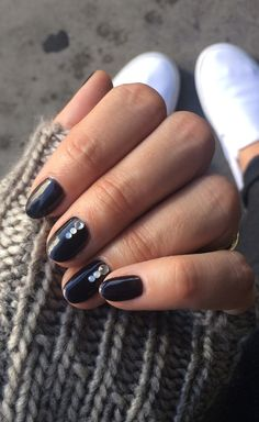 Back to Black, nail lacquer, nail polish
