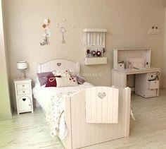 http://www.mamidecora.com/muebles.%20helenadelucas.html