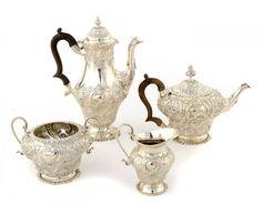 Tea set / set cafe em prata Inglesa do sec.19th, cafeteira de cafe 30cm de altura, 1790GMS, 3,950 USD / 3,630 EUROS / 15,250 REAIS / 25,870 CHINESE YUAN soulcariocantiques.tictail.com
