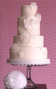 rice paper flowers wedding cake