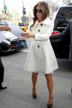 Kate Beckinsale wows in winter white and I ADORE this coat... Just ordered my pregnancy size