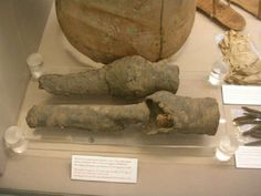 Mysterious mummified knees ID'd as Egyptian Queen Nefertari     - CNET  Enlarge Image  The queens knees most likely.  Photo by                                            Professor Joann Fletcher/University of York                                          Shes got legs and she knows how to use them  ZZ Top famously sang. But just whos the she whose mummified legs are housed in an Italian museum?    A team of international scientists now say the gams likely belong to the Egyptian Queen…