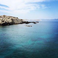 Aegean Sean between #Delos and #Mykonos Photo credits: @mozaalmazrou