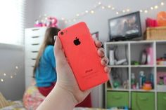 WE ARE GIVING AWAY 10 FREE PINK IPHONE 5C TO NEXT RANDOM 10 WHO FOLLOW @Love ♥ FAV WHEN DONE pic.twitter.com/vJtyKHUJOA