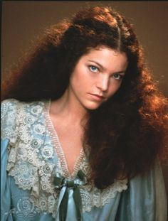 Directed by Barbra Streisand. With Barbra Streisand, Amy Irving, Mandy Patinkin, Nehemiah Persoff. A Jewish girl disguises herself as a boy to enter religious training. Pretty People, Beautiful People, Beautiful Women, Beautiful Clothes, Amy Irving, Film Musical, Young Marilyn Monroe, Carrie White, Cinema