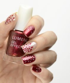 Dramatic deep red for a sophisticated style! Blogger ZigiZtyle created these stylish Christmas nails with Lumene Gel Effect Nail Polish shades 63 Flaming Sky (deep burgundy) and 58 Dazzling Dreams (golden nude). #nails #christmas #lumene