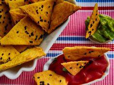 Sajtos kukoricacsipsz (extra ropogós) Minion, Guacamole, Tacos, Mexican, Ethnic Recipes, Breads, Food, Party, Fiesta Party