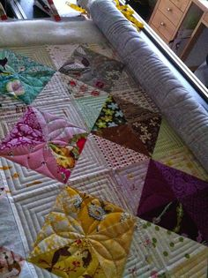 Krista Withers Quilting Look at the white blocks ~ inspiration for the open blocks in my black/homespun quilt?