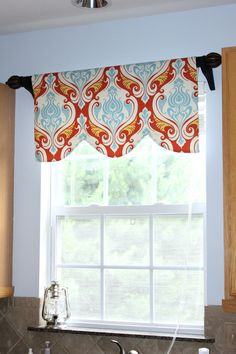 Kitchen valance-LOVE this fabric