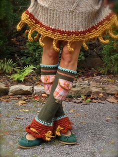 I find these oddley cute! Quirky Fashion, Boho Fashion, Crochet Socks, Knit Crochet, Leg Warm Up, Eco Clothing, Vintage Hippie, Hippie Chic, Boho Outfits