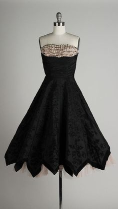 Vintage 1950s dress. Strapless black taffeta by millstreetvintage