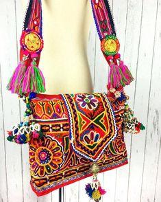Incredibly Bohemian Purses for Boho Ladies Handbags On Sale, Luxury Handbags, Fashion Handbags, Purses And Handbags, Fashion Bags, Boho Fashion, Cheap Purses, Unique Purses, Cute Purses