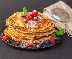 Špaldové lívance | Recepty Albert Pancakes, Healthy Recipes, Drinks, Breakfast, Food, Drinking, Morning Coffee, Beverages, Essen
