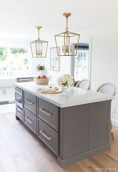 Loving all of the deep drawer space in this long kitchen island (and love the shade of gray!)Loving all of the deep drawer space in this long kitchen island (and love the shade of gray! Kitchen With Long Island, Long Kitchen, Diy Kitchen, Kitchen Decor, Kitchen Ideas, Kitchen Island With Drawers, Awesome Kitchen, Kitchen Sinks, Cheap Kitchen