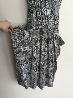 NWT-358-Marc-by-Marc-Jacobs-Black-White-V-Neck-Floral-Print-Small-Dress-DRS0402