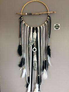Attrape rêves / dreamcatcher / attrapeur de rêves plumes zèbres et perles bois