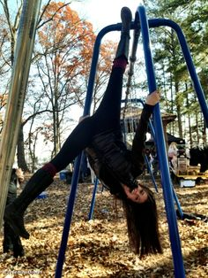 "NINA DOBREV hanging out on set twitter photo | Nina Dobrev's photo: Just ""hanging"" out on set. #seewhatididjustthere?"