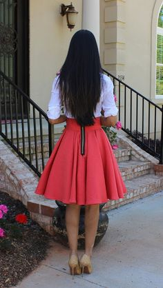 Hi Fashionistas!  Here is my latest sewing project: A super voluminous box pleated circle skirt made with a bottom weight fabric that has texture and looks embroidered. The skirt is self draf…