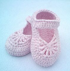 Ravelry: YARA simple baby shoes pattern by Crochet- atelier