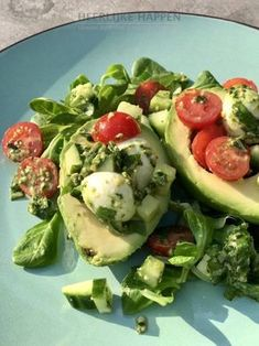 Avocado pestosalade met mozzarella – Food And Drink I Love Food, Good Food, Yummy Food, Mozzarella, Veggie Recipes, Healthy Recipes, Pumpkin Recipes, Potato Recipes, Food Porn