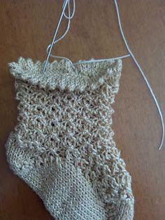 Unique: tutorial calcetín Cute Crochet, Crochet For Kids, Knit Crochet, Knitting Needles, Baby Knitting, Knitted Animals, Crochet Bikini, Two By Two, Stockings