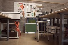 Kelsey Dake- printmaker, this is the cleanest screenprinting studio I have ever seen!