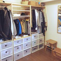 ハンガーレーンと棚とケースできっちり収納