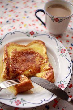 breakfast: coffee & french toast