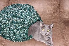 Knitted Cat Kitten Igloo Cave House Bed