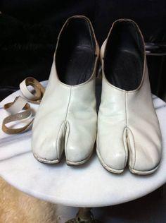 初期マルタンマルジェラ 足袋パンプス(24~24.5)  tabi pumps with ankle straps (eu 38) • martin margiela100,000 円
