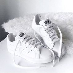 Spotlight on: witte sneakers