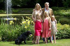 Koning Willem-Alexander, Koningin Maxima, en de prinsesjes. 19-07-2013 op Landgoed de Horsten in Wassenaar.