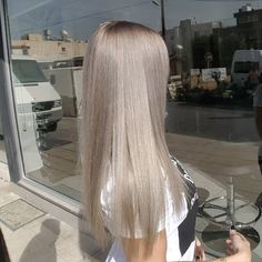 "126 Likes, 4 Comments - Nickys Hair Art (@nickyshairart) on Instagram: ""#silverwhite  #silverblonde  #blondehair  #blonde #goldwellcolor #bondpro #blondehairdontcare…"""