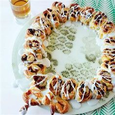 Iced mince wreath recipe. This cake not only makes a change from mince pies, it looks great on your Christmas table.