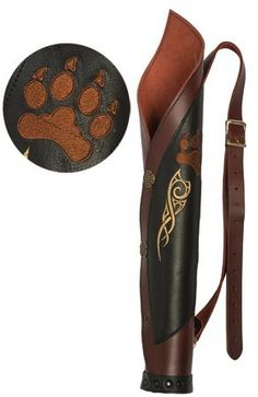 Noggle Stones™ Ratcatcher Back Quiver I like the style and the little gold design, but not the paw. Archery Quiver, Archery Tips, Leather Quiver, Leather Tooling, Elf Kostüm, Larp, Mounted Archery, Holster, Recurve Bows
