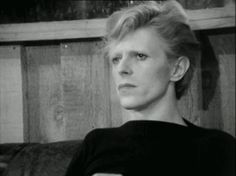 34 Perfect David Bowie GIFs For Every Occasion