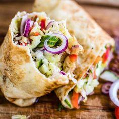 Hummus and Veggie Wrap - Essen - Wraps Recipes Veggie Dishes, Veggie Recipes, Whole Food Recipes, Cooking Recipes, Veggie Food, Potato Recipes, Dinner Recipes, Vegetarian Wraps, Vegetarian Recipes