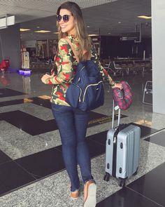 """139.5 mil curtidas, 1,266 comentários - Vivian Amorim (@amorimvivian) no Instagram: """"Tô adorando compor meu aero look com mochila p ficar numa vibe mais despojada ✌ Essa eu comprei…"""""""