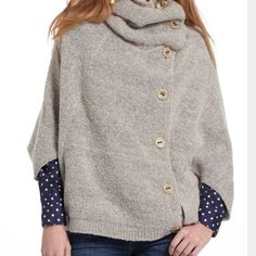 """Anthropologie """"Angel of the north"""" poncho Gently worn Velveteen poncho . EUC Anthropologie Sweaters Shrugs & Ponchos"""